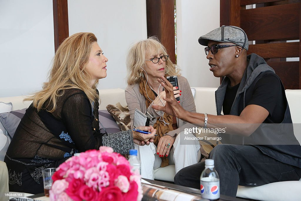 <a gi-track='captionPersonalityLinkClicked' href=/galleries/search?phrase=Arsenio+Hall&family=editorial&specificpeople=211441 ng-click='$event.stopPropagation()'>Arsenio Hall</a> is seen at the CBS Television Distribution cabana during NATPE at Fontainebleau Miami Beach on January 29, 2013 in Miami Beach, Florida.