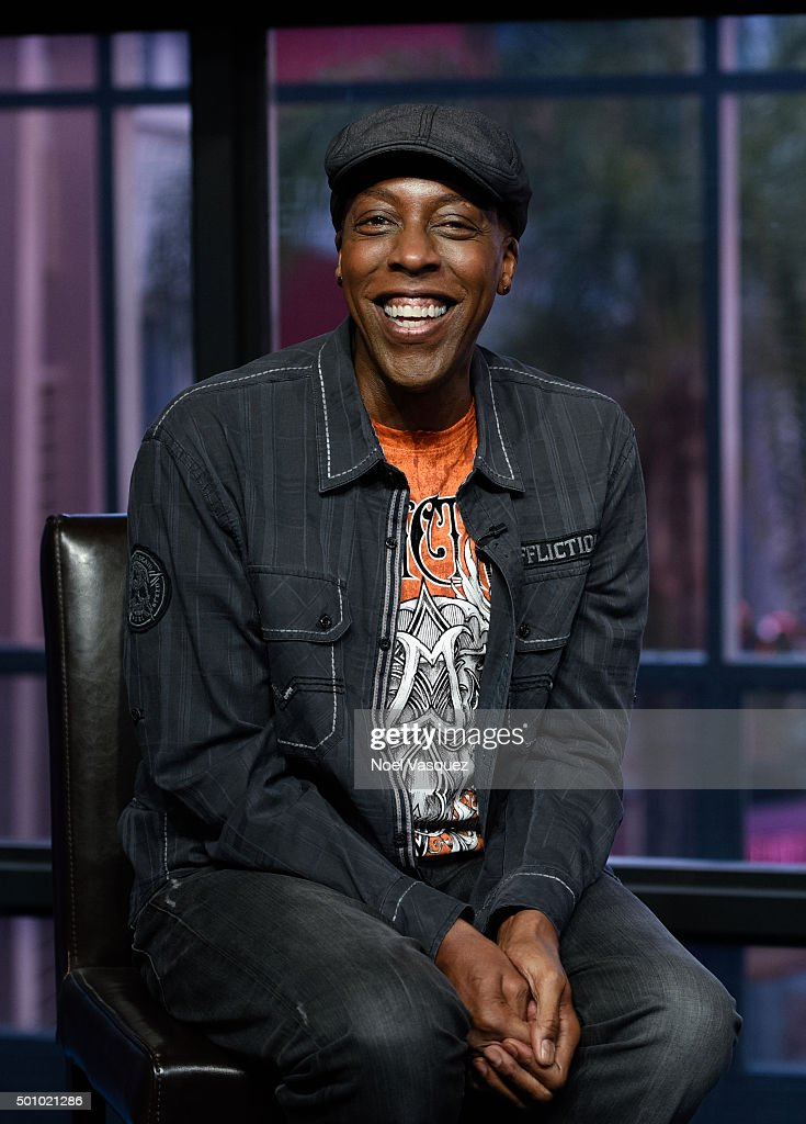 <a gi-track='captionPersonalityLinkClicked' href=/galleries/search?phrase=Arsenio+Hall&family=editorial&specificpeople=211441 ng-click='$event.stopPropagation()'>Arsenio Hall</a> visits 'Extra' at Universal Studios Hollywood on December 11, 2015 in Universal City, California.