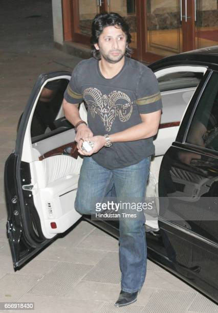 Arshad Warsi arrives for Sanjay Dutt's party at his residence at Bandra on Tuesday night