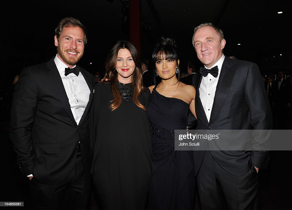 Art consultant Will Kopelman, actresses Drew Barrymore and Salma Hayek, and Francois-Henri Pinault attend LACMA 2012 Art + Film Gala Honoring Ed Ruscha and Stanley Kubrick presented by Gucci at LACMA on October 27, 2012 in Los Angeles, California.