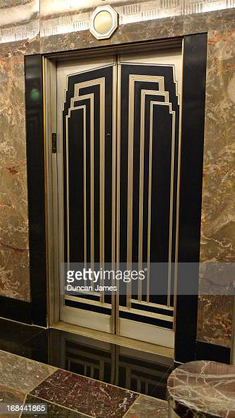 Empire State Building interior door Pictures | Getty Images