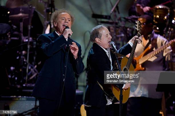 Art Garfunkel and Paul Simon perform during the Library Of Congress Gershwin Prize For Popular Song Gala at the Warner Theater May 23 2007 in...