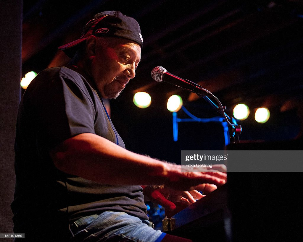 <a gi-track='captionPersonalityLinkClicked' href=/galleries/search?phrase=Art+Neville&family=editorial&specificpeople=874056 ng-click='$event.stopPropagation()'>Art Neville</a> of The Funky Meters performs at Tipitina's on September 27, 2013 in New Orleans, Louisiana.