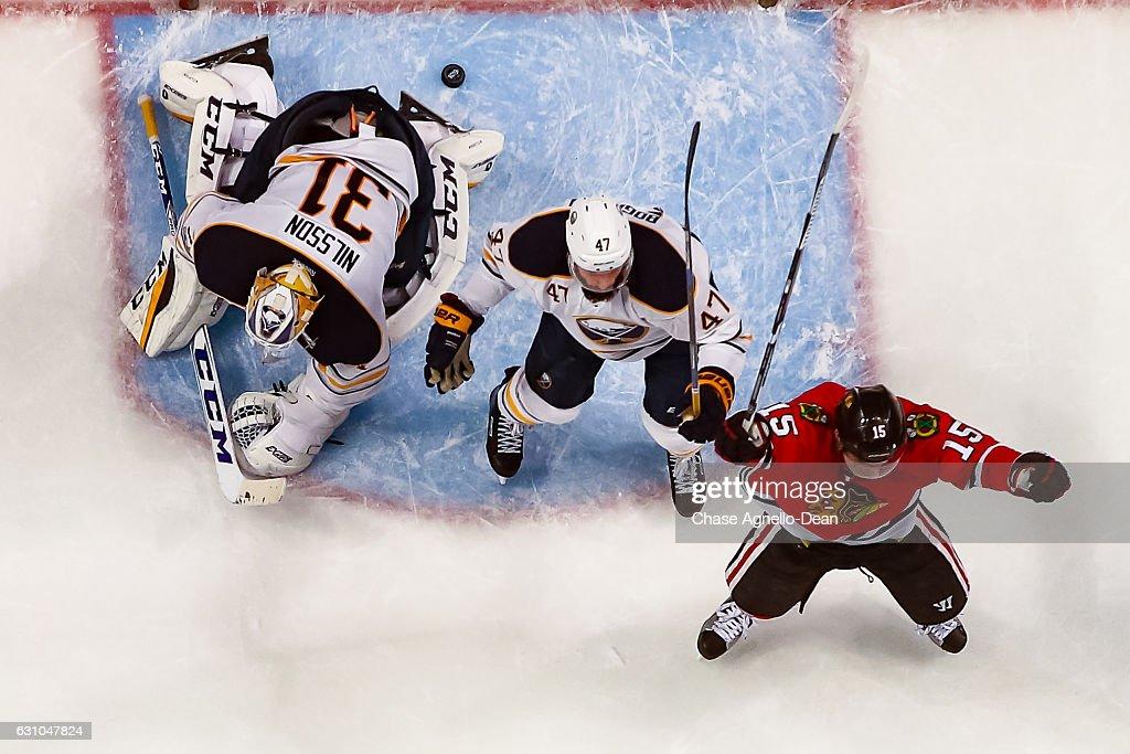 Buffalo Sabres v Chicago Blackhawks