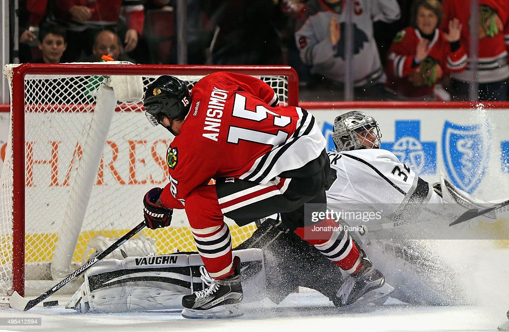 <a gi-track='captionPersonalityLinkClicked' href=/galleries/search?phrase=Artem+Anisimov&family=editorial&specificpeople=543215 ng-click='$event.stopPropagation()'>Artem Anisimov</a> #15 of the Chicago Blackhawks scores a short-handed goal against <a gi-track='captionPersonalityLinkClicked' href=/galleries/search?phrase=Jonathan+Quick&family=editorial&specificpeople=2271852 ng-click='$event.stopPropagation()'>Jonathan Quick</a> #32 of the Los Angeles Kings in the third period at the United Center on November 2, 2015 in Chicago, Illinois. The Blackhawks defeated the Kings 4-2.