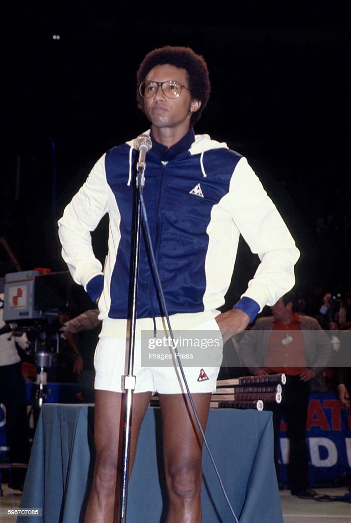 <a gi-track='captionPersonalityLinkClicked' href=/galleries/search?phrase=Arthur+Ashe&family=editorial&specificpeople=215183 ng-click='$event.stopPropagation()'>Arthur Ashe</a> circa 1970s in New York City.