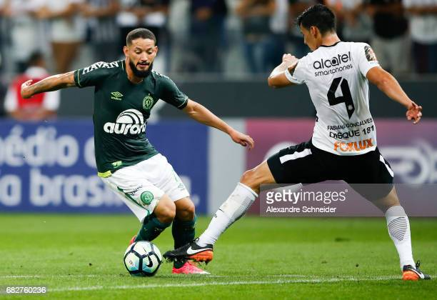 Arthur Caike of Chapecoense and Balbuena of Corinthians in action during the match between Corinthians and Chapecoense for the Brasileirao Series A...