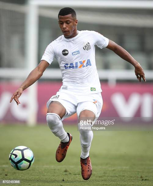 Arthur Gomes of Santos in action during the match between Santos and Atletico Mineiro as a part of Campeonato Brasileiro 2017 at Vila Belmiro Stadium...