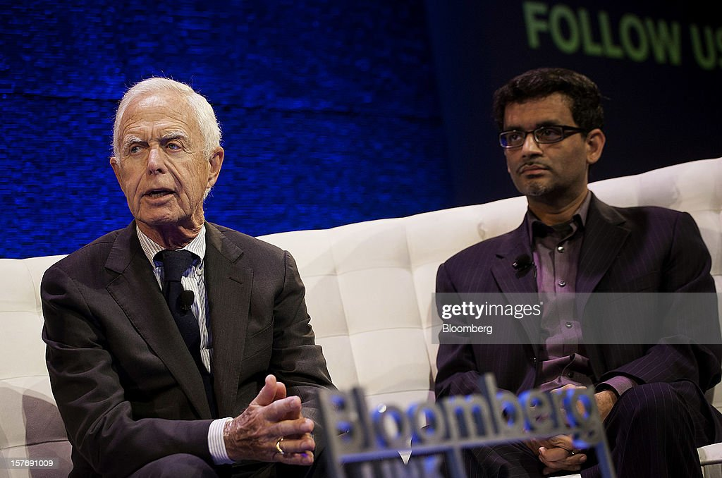 Arthur Levitt, senior advisor to the Carlyle Group LP and former chairman of the U.S. Securities and Exchange Commission (SEC), left, speaks while Manoj Narang, founder and chief executive officer of Tradeworx Inc., listens during the Bloomberg Hedge Funds Summit in New York, U.S., on Wednesday, December 5, 2012. The Bloomberg Hedge Funds Summit convenes managers and investors to discuss the impact of the European debt crisis on the global markets and break down the fundamentals driving volatility in the equity markets. Photographer: Michael Nagle/Bloomberg via Getty Images