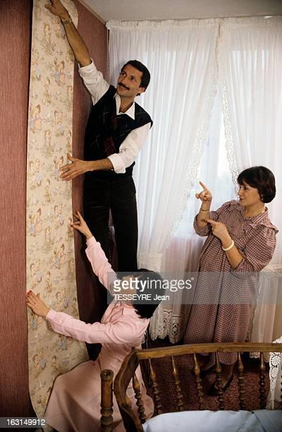 Artificial Insemination The First Surrogate Mother En France en décembre 1982 Christine la première femme porteuse pour sa soeur jumelle Magali en...