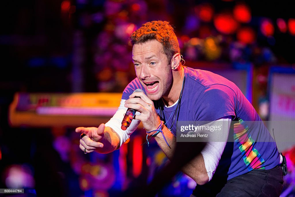 Artist Chris Martin of Coldplay performs onstage during the Telekom Street Gigs at Capitol on December 8 2015 in Offenbach Germany