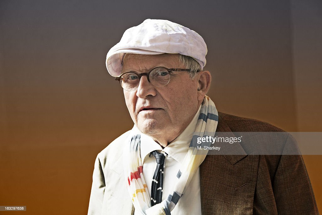 Artist <a gi-track='captionPersonalityLinkClicked' href=/galleries/search?phrase=David+Hockney&family=editorial&specificpeople=215305 ng-click='$event.stopPropagation()'>David Hockney</a> is photographed for Out Magazine on September 26, 2012 in London, England.