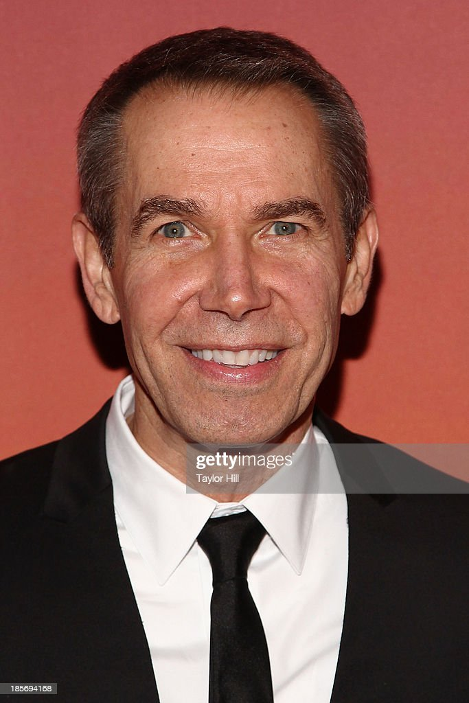 Artist <a gi-track='captionPersonalityLinkClicked' href=/galleries/search?phrase=Jeff+Koons&family=editorial&specificpeople=220233 ng-click='$event.stopPropagation()'>Jeff Koons</a> attends the 2013 Whitney Gala and Studio party at Skylight at Moynihan Station on October 23, 2013 in New York City.