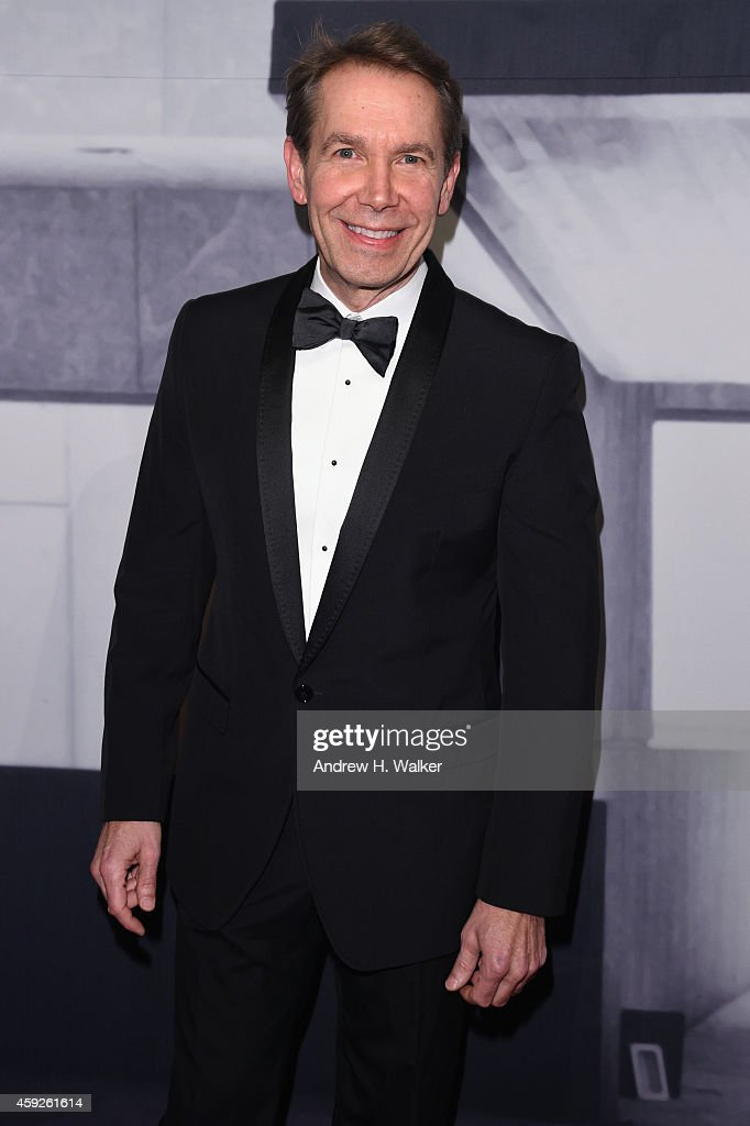 Artist <a gi-track='captionPersonalityLinkClicked' href=/galleries/search?phrase=Jeff+Koons&family=editorial&specificpeople=220233 ng-click='$event.stopPropagation()'>Jeff Koons</a> attends the 2014 Whitney Gala presented by Louis Vuitton at The Breuer Building on November 19, 2014 in New York City.