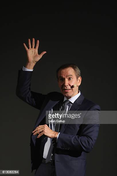 S artist Jeff Koons speaks about his work at the KW Institute for Contemporary Art on October 6 2016 in Berlin Germany Koons is in Berin at the...