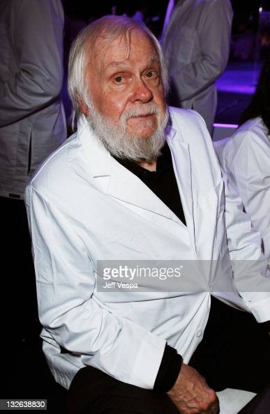 Artist John Baldessari attends 2011 MOCA Gala An Artist's Life Manifesto Directed by Marina Abramovic at MOCA Grand Avenue on November 12 2011 in Los...