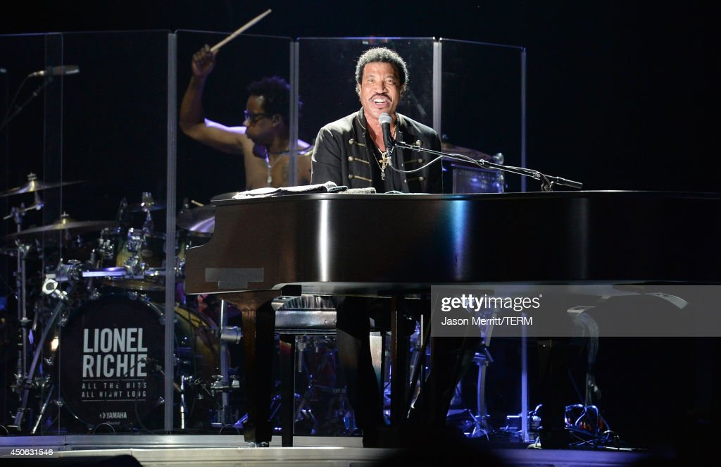Artist <a gi-track='captionPersonalityLinkClicked' href=/galleries/search?phrase=Lionel+Richie&family=editorial&specificpeople=204139 ng-click='$event.stopPropagation()'>Lionel Richie</a> performs during the 2014 Bonnaroo Music & Arts Festival on June 14, 2014 in Manchester, Tennessee.
