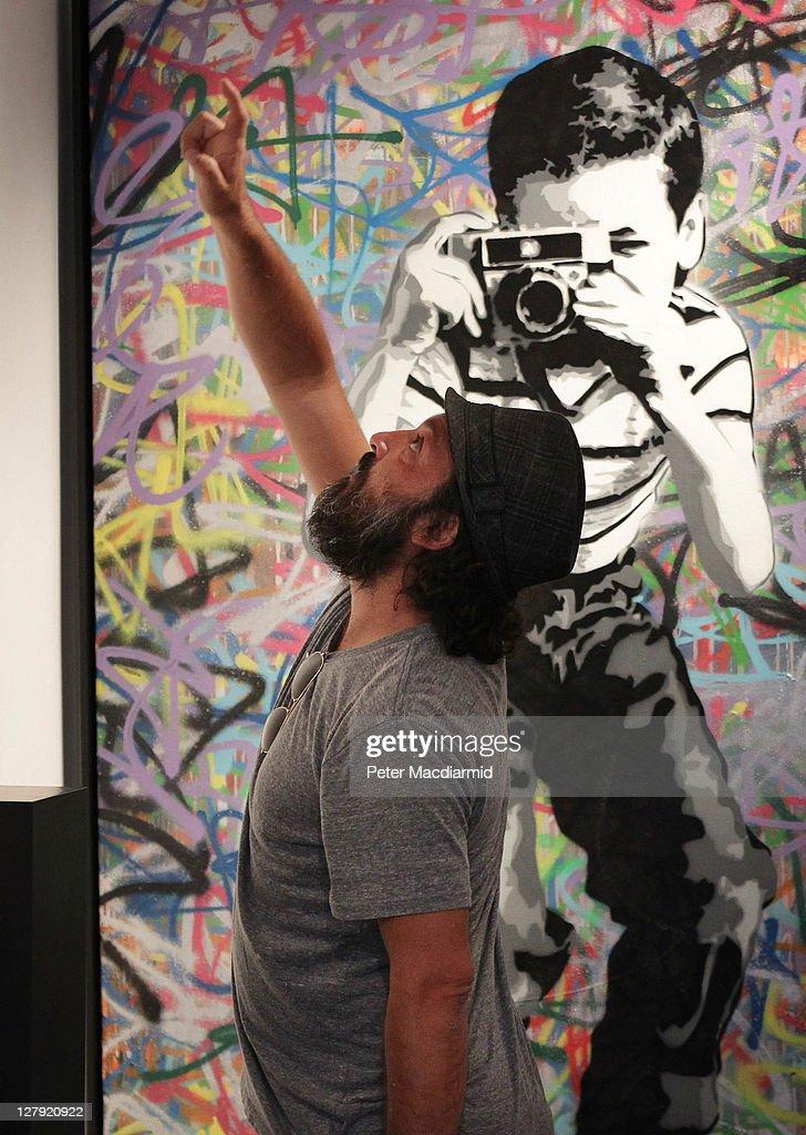 Graffiti artist mr brainwash 39 s first uk exhibition getty for Mural painted by street artist mr brainwash