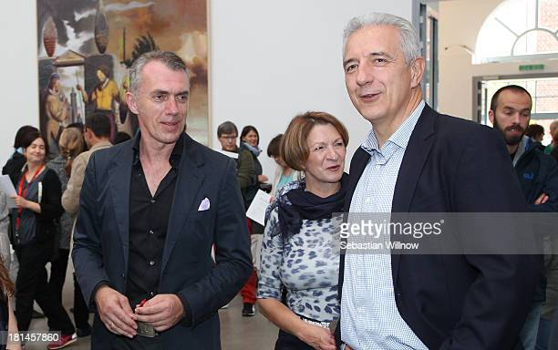 Artist Neo Rauch the German state Saxony prime minister Stanislaw Tillich and his wife Veronika Tillich in the art gallery 'EigenArt' during the...