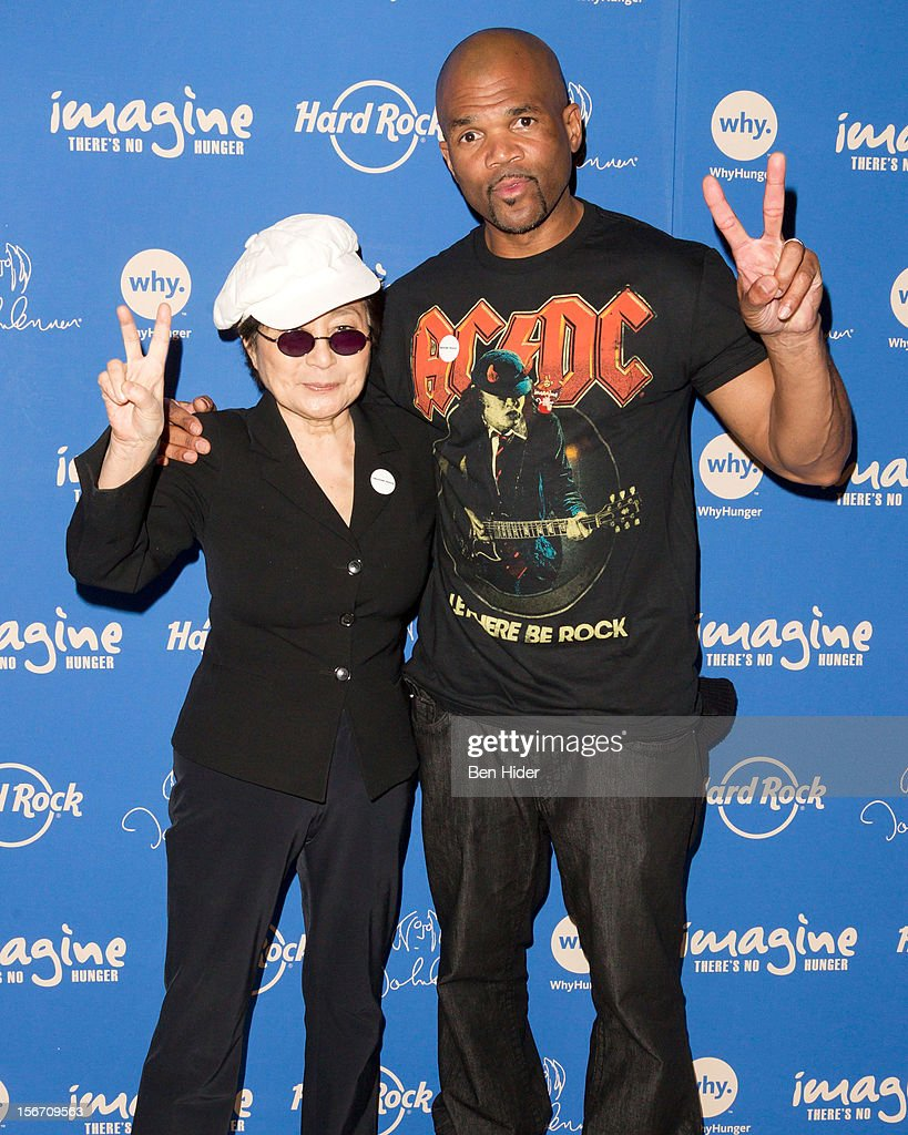 Artist <a gi-track='captionPersonalityLinkClicked' href=/galleries/search?phrase=Yoko+Ono&family=editorial&specificpeople=202054 ng-click='$event.stopPropagation()'>Yoko Ono</a> and Darryl 'DMC' McDaniels (R) attend the 5th annual Imagine There's No Hunger Campaign launch at the Hard Rock Cafe, Times Square on November 19, 2012 in New York City.