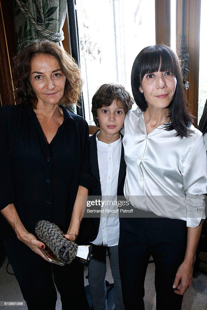 Lanvin : Front Row  - Paris Fashion Week Womenswear Spring/Summer 2017