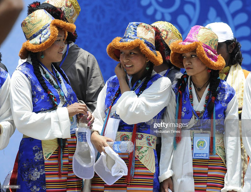 Artists dressed in their traditional attire during the oath taking ceremony of Mamata Banerjee as Chief Minister of West Bengal at Red Road on May 27, 2016 in Kolkata, India. Mamata Banerjee was sworn in on West Bengal's chief minister for a second term alongwith 41 ministers. The presence of prominent Non-BJP Non-Congress party leaders like Arvind Kejriwal, Nitish Kumar, Lalu Yadav, Akhilesh Yadav gave air to formation of major Anti-Modi block in 2019.