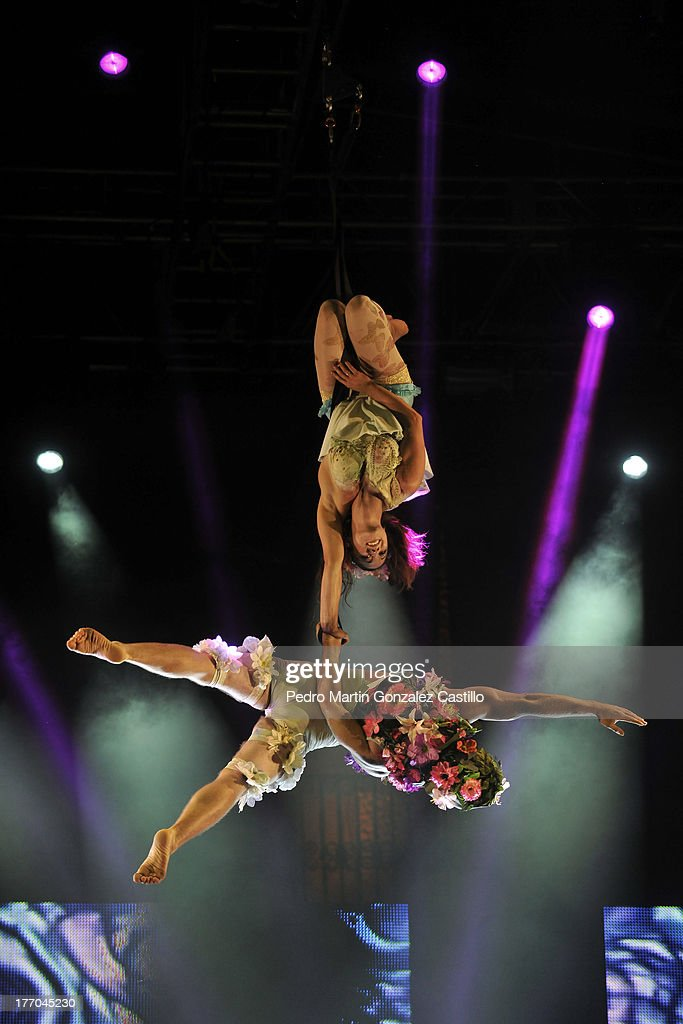 Artists of Creación Colectiva perform in the air during the 6th International Festival Siguientescena at Plaza de Armas, on August 16, 2013 in Queretaro, Mexico.