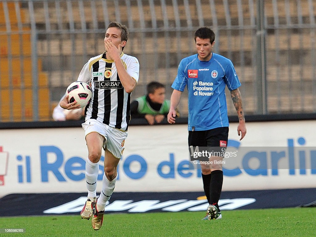 <a gi-track='captionPersonalityLinkClicked' href=/galleries/search?phrase=Arturo+Lupoli&family=editorial&specificpeople=2142398 ng-click='$event.stopPropagation()'>Arturo Lupoli</a> of Ascoli celebrates after scoring the goal 1-1 during the Serie B match between Ascoli and Novara at Stadio Cino e Lillo Del Duca on November 6, 2010 in Ascoli Piceno, Italy.