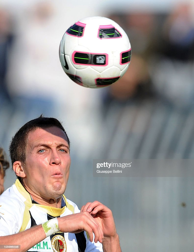 <a gi-track='captionPersonalityLinkClicked' href=/galleries/search?phrase=Arturo+Lupoli&family=editorial&specificpeople=2142398 ng-click='$event.stopPropagation()'>Arturo Lupoli</a> of Ascoli heads the ball during the Serie B match between Ascoli and Cittadella at Stadio Cino e Lillo Del Duca on October 23, 2010 in Ascoli Piceno, Italy.