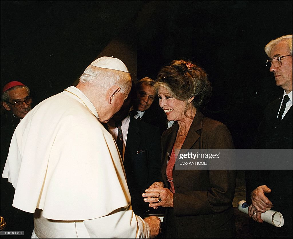 Arturo Mari of Osservatore Romano in the meeting of Brigitte Bardot and Jean Paul II in Rome, Italy on September 27, 1995.