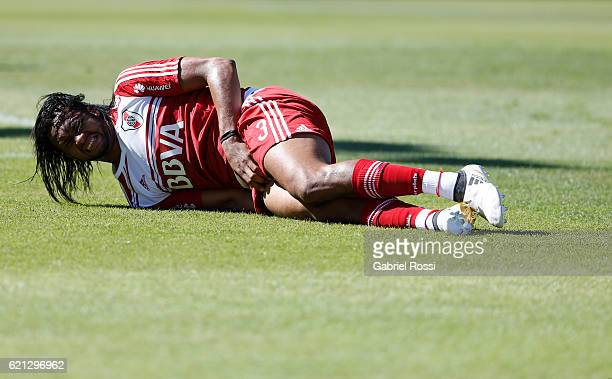 Arturo Mina of River Plate laments during a match between River Plate and Estudiantes as part of Torneo Primera Division 2016/17 at Tomas Adolfo Duco...