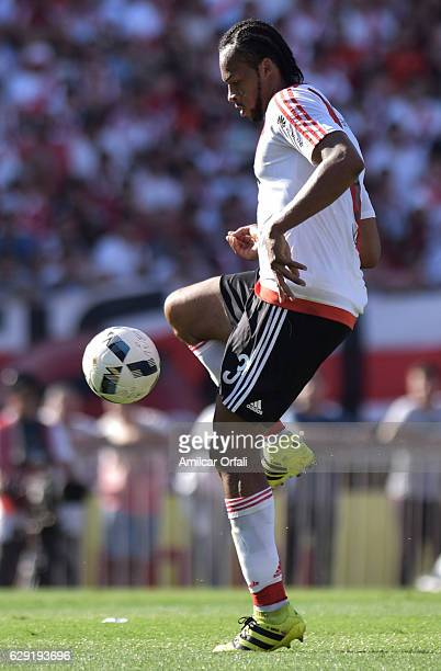 Arturo Mina of River Plate looks on the ball during a match between River Plate and Boca Juniors as part of Torneo Primera Division 2016/17 at...