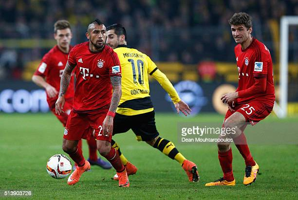 Arturo Vidal of Bayern Munich controls the ball during the Bundesliga match between Borussia Dortmund and FC Bayern Muenchen at Signal Iduna Park on...