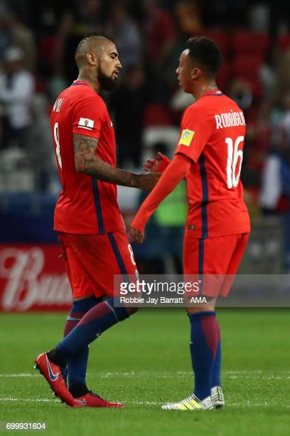 Arturo Vidal of Chile shakes hands with Martin Rodriguez during the FIFA Confederations Cup Russia 2017 Group B match between Germany and Chile at...