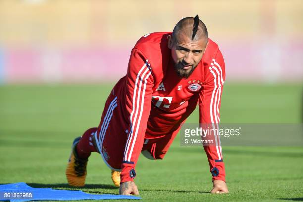 Arturo Vidal of FC Bayern Muenchen warms up during a training session at Saebener Strasse training ground on October 15 2017 in Munich Germany