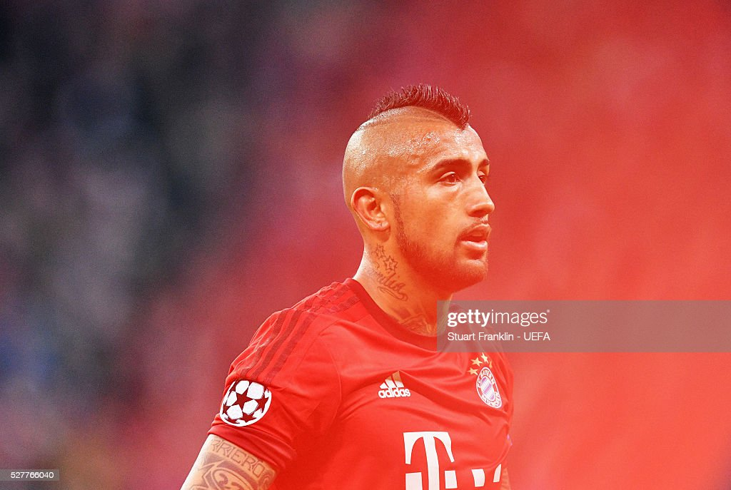 <a gi-track='captionPersonalityLinkClicked' href=/galleries/search?phrase=Arturo+Vidal&family=editorial&specificpeople=2223374 ng-click='$event.stopPropagation()'>Arturo Vidal</a> of Muenchen looks on during the UEFA Champions League Semi Final second leg match between FC Bayern Muenchen and Club Atletico de Madrid at the Allianz Arena on May 03, 2016 in Munich, Bavaria.