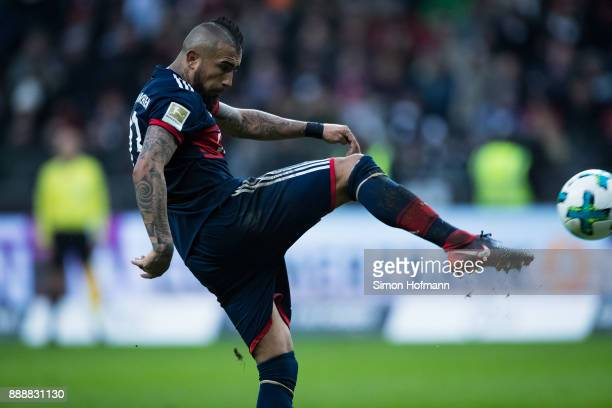 Arturo Vidal of Muenchen tries to score during the Bundesliga match between Eintracht Frankfurt and FC Bayern Muenchen at CommerzbankArena on...