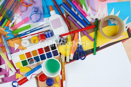 kunstwerke am arbeitsplatz mit kreativen accessoires. Black Bedroom Furniture Sets. Home Design Ideas