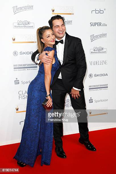 Arzu Bazman and Buelent Sharif attend the Goldene Henne on October 28 2016 in Leipzig Germany