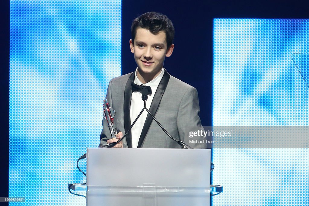 <a gi-track='captionPersonalityLinkClicked' href=/galleries/search?phrase=Asa+Butterfield&family=editorial&specificpeople=5523693 ng-click='$event.stopPropagation()'>Asa Butterfield</a> accepts the award for 'Rising Star of 2013' at the CinemaCon 2013 Big Screen Achievement Awards held at Caesars Palace during CinemaCon, the official convention of the National Association of Theatre Owners on April 18, 2013 in Las Vegas, Nevada.