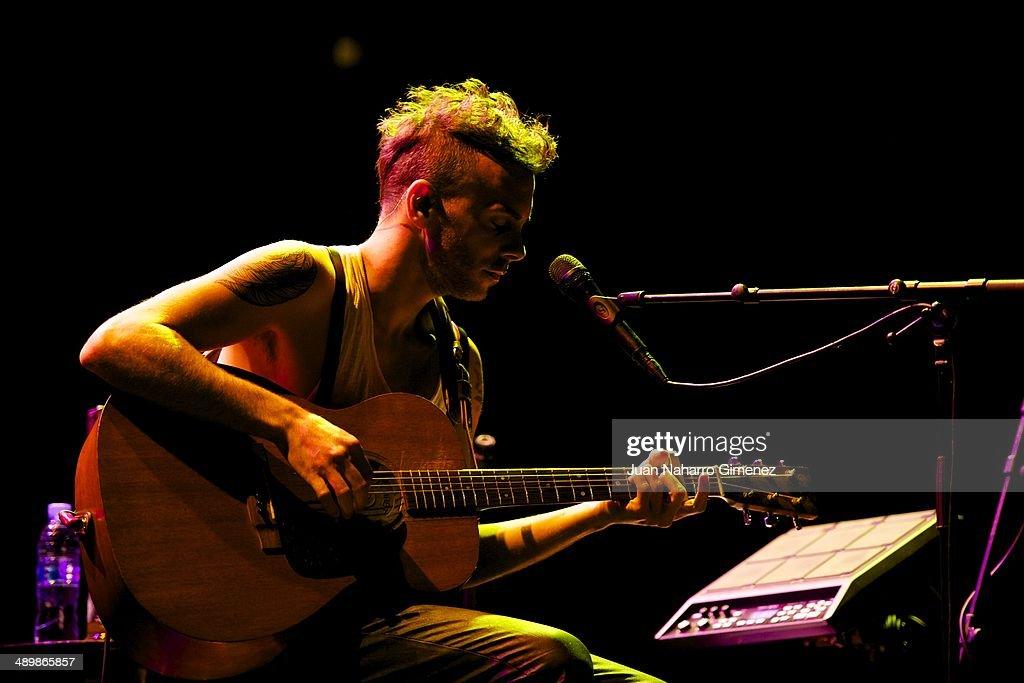 Asaf Avidan performs on stage during Madrid Inquieta Festival 2014 at Teatro Nuevo Alcala on May 12, 2014 in Madrid, Spain.