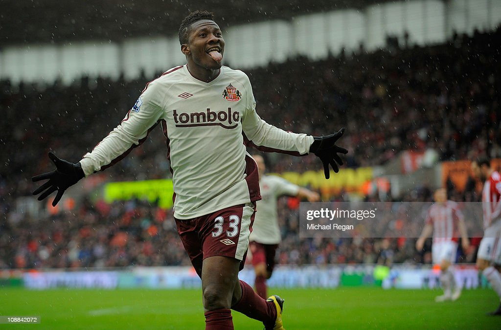 <a gi-track='captionPersonalityLinkClicked' href=/galleries/search?phrase=Asamoah+Gyan&family=editorial&specificpeople=535782 ng-click='$event.stopPropagation()'>Asamoah Gyan</a> of Sunderland celebrates scoring to make it 2-1 during the Barclays Premier League match between Stoke City and Sunderland at the Britannia Stadium on February 5, 2011 in Stoke on Trent, England.