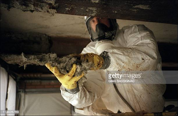 Asbestos Removal Of The Jussieu University On March 25th 1999 In ParisFrance Abestos Removal On Metallic Beam