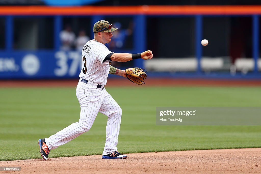 <a gi-track='captionPersonalityLinkClicked' href=/galleries/search?phrase=Asdrubal+Cabrera&family=editorial&specificpeople=834042 ng-click='$event.stopPropagation()'>Asdrubal Cabrera</a> #13 of the New York Mets makes a throw to first base in the sixth inning during the game against the Chicago White Sox at Citi Field on Monday, May 30, 2016 in the Queens borough of New York City.