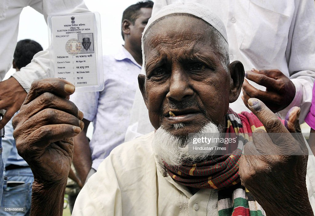 Asgar Ali ( 103 years old ) an enclave dwellers of Maddhya Mashaldanga Chhitmahal, Dinhata at the polling booth to cast vote for the first time. They became Indian citizens nine months ago, after living without any citizenship for 68 years since Independence. This is last phase poll for West Bengal Assembly. Election Commission of India provide him a special car from his village to polling booth at Cooch Behar on Thursday . ( Photo by Ashok Nath Dey/ Hindustan Times ).
