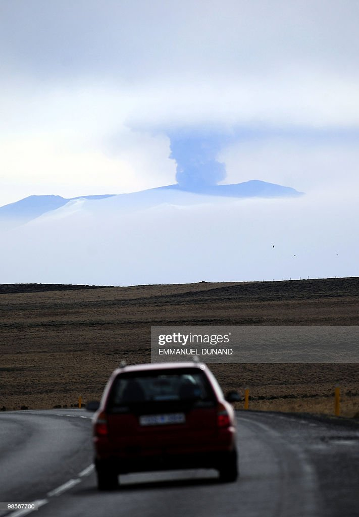 Ash and smoke bellow from the Eyjafjallajökull volcano as the volcano is seen from Vestmannaeyjar, Iceland, on April 20, 2010. The volcanic ash cloud from Iceland is expected to change directions and head towards the Arctic when the weather changes towards the end of the week, the World Meteorological Organization said. AFP PHOTO/Emmanuel DUNAND