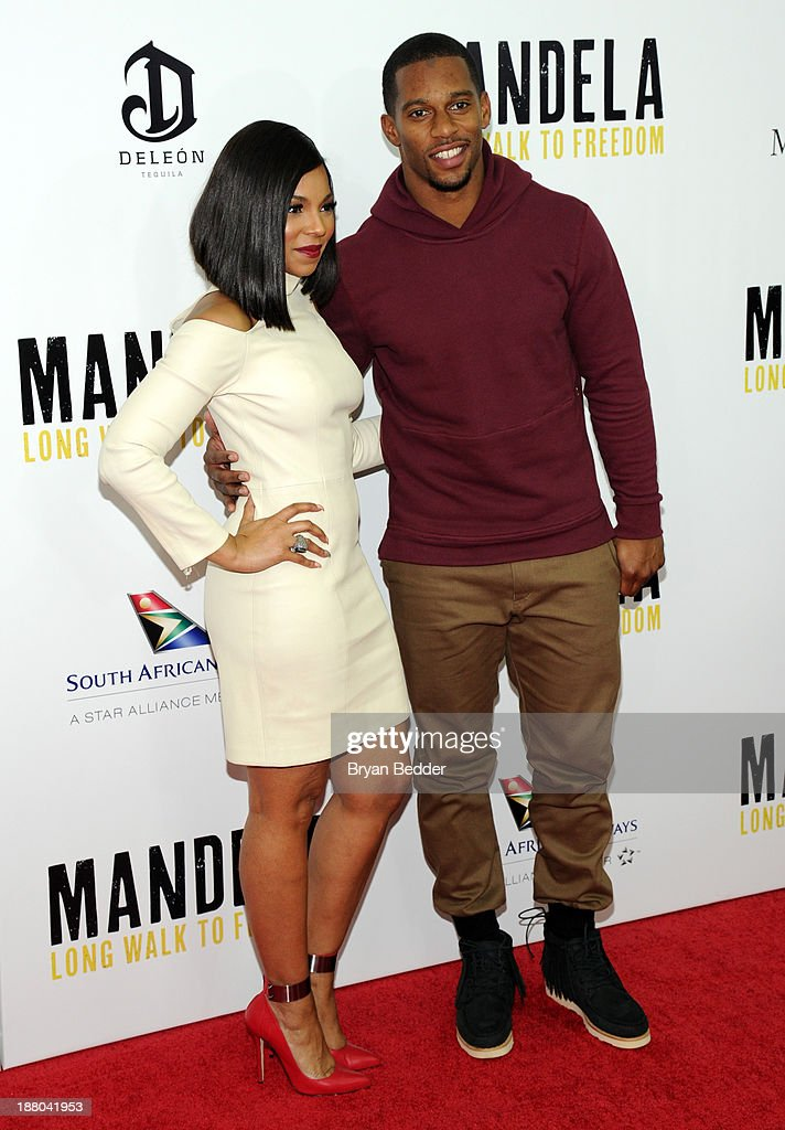 <a gi-track='captionPersonalityLinkClicked' href=/galleries/search?phrase=Ashanti&family=editorial&specificpeople=146300 ng-click='$event.stopPropagation()'>Ashanti</a> and <a gi-track='captionPersonalityLinkClicked' href=/galleries/search?phrase=Victor+Cruz+-+American+Football+Player&family=editorial&specificpeople=8736842 ng-click='$event.stopPropagation()'>Victor Cruz</a> attend the New York premiere of