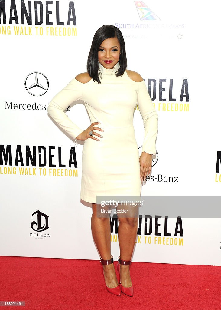 <a gi-track='captionPersonalityLinkClicked' href=/galleries/search?phrase=Ashanti&family=editorial&specificpeople=146300 ng-click='$event.stopPropagation()'>Ashanti</a> attends the New York premiere of