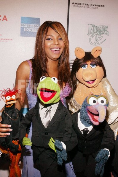 Ashanti Miss Piggy Kermit the Frog Pepe the King Prawn