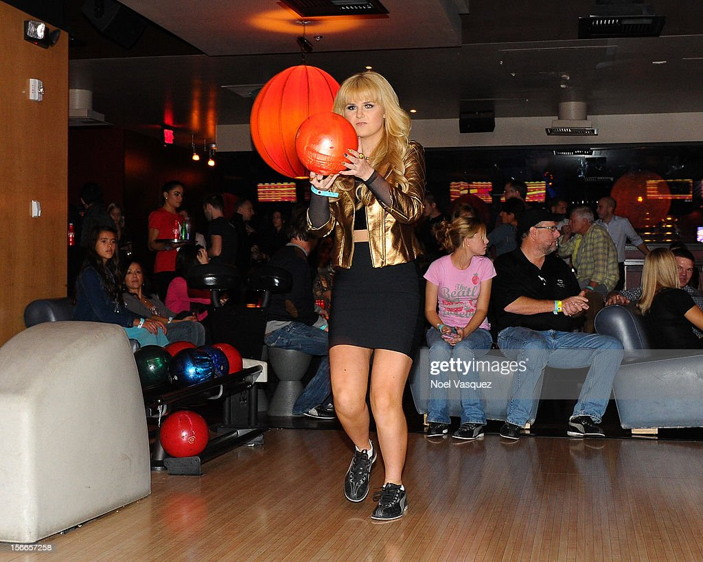 Ashlee Keating attends the 40th Anniversary American Music Awards Charity Bowl Pre-Party at Lucky Strike Lanes at L.A. Live on November 17, 2012 in Los Angeles, California.
